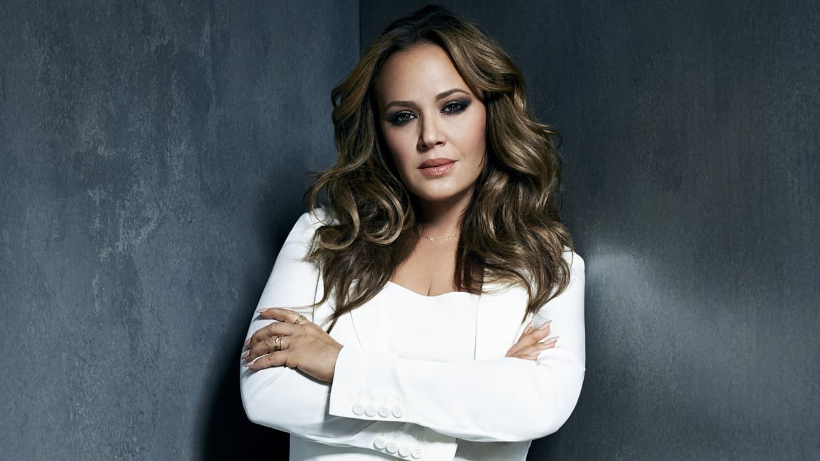 Leah Remini on Why Jennifer Lopez Said No to Scientology and How the 'Cult' Can Be Stopped (thedailybeast.com)