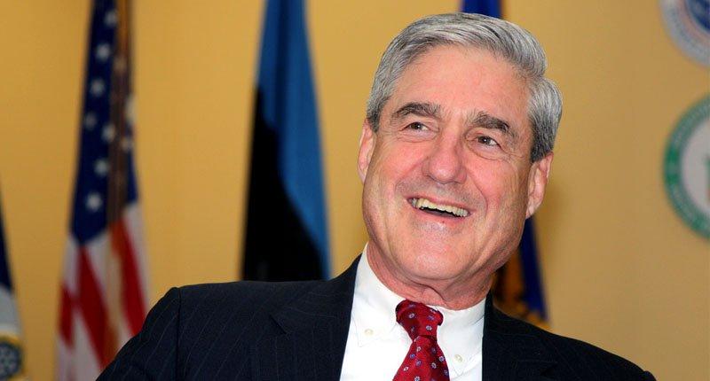 Robert Mueller's evidence includes… someone's NUDE SELFIE!