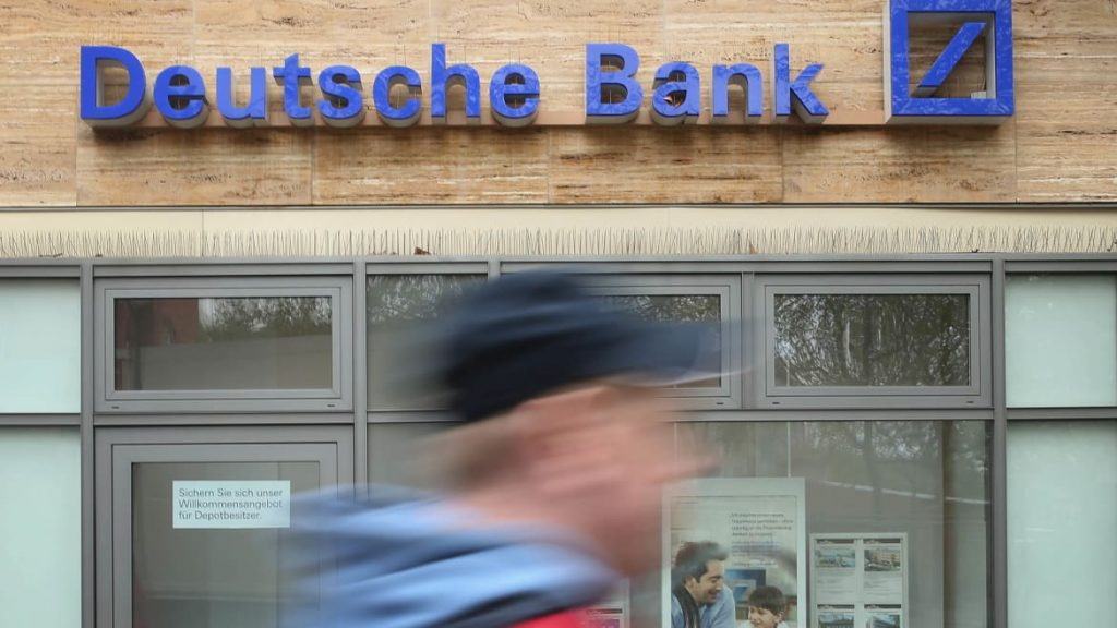 Feds Who Took Down Cohen Could Face Deutsche Bank Dilemma (thedailybeast.com)