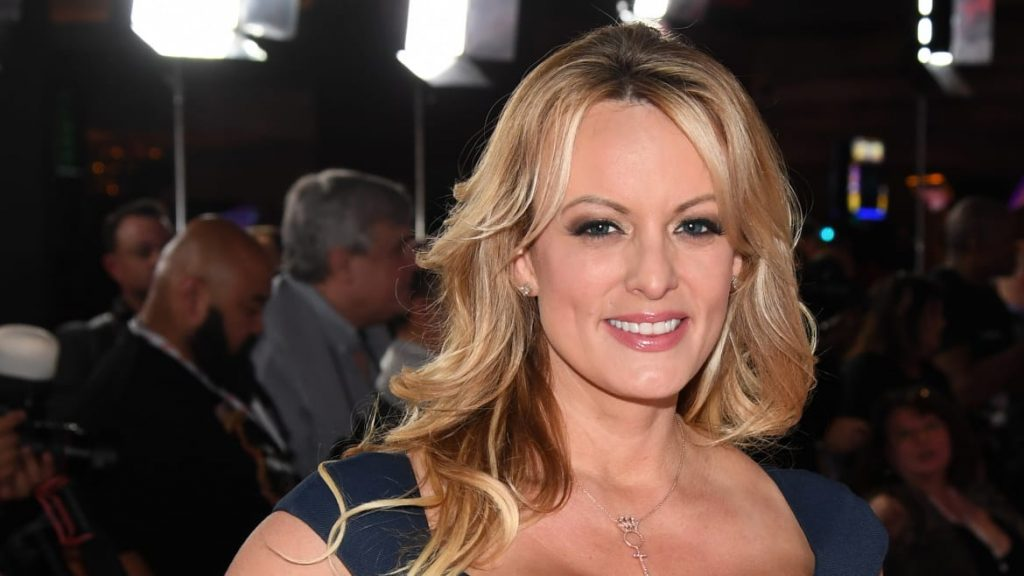 Stormy Daniels Mocks Trump Sex in Rowdy Stand-Up Comedy Debut (thedailybeast.com)