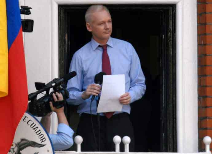 Trump Allegedly Offered Pardon To Julian Assange For Covering Up Russian Hacking, Assange's Lawyer Claims (rdtdaily.com)