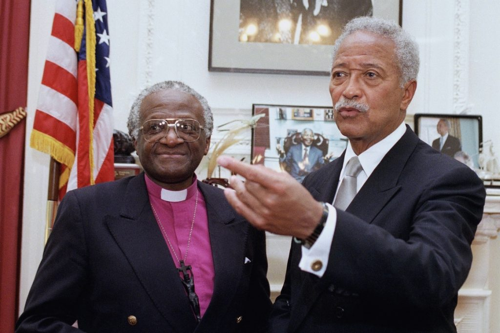 David Dinkins, New York's first Black mayor, dies at 93 (politico.com)