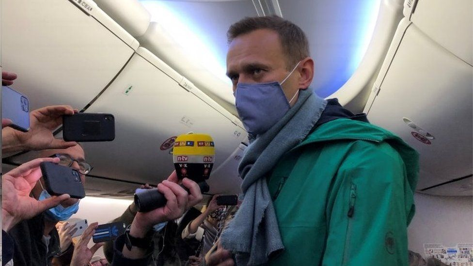 Poisoned Russia opposition leader Navalny flying home
