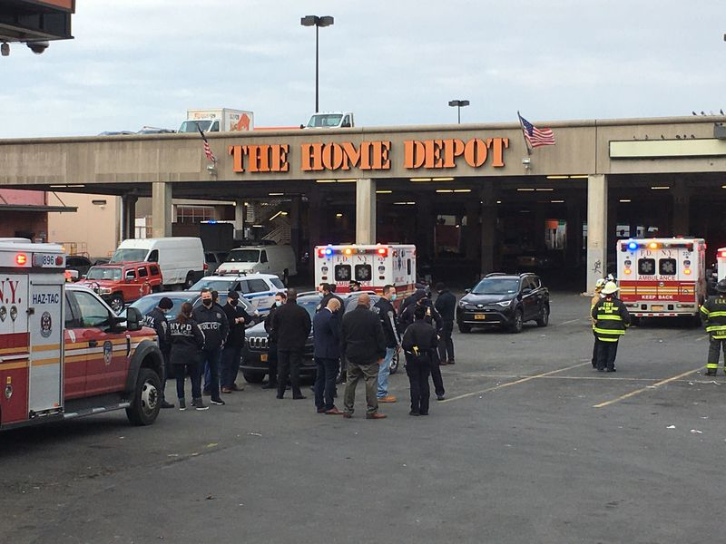 Possible bomb in NYC Home Depot turns out to be 'hoax device': police (nydailynews.com)