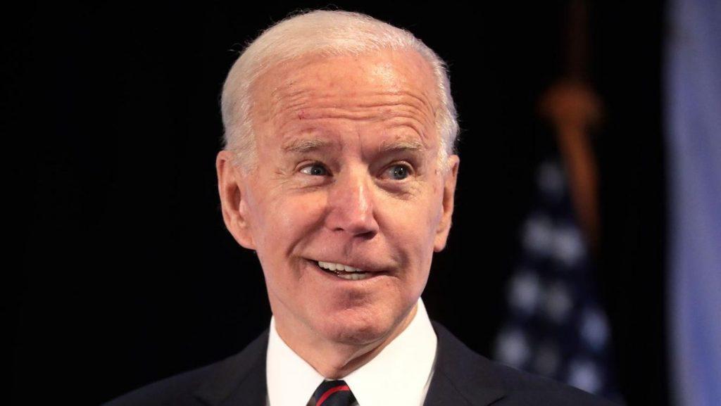 Trump lifts COVID-19 travel restrictions – but Biden will block that dangerous change (cbsnews.com)