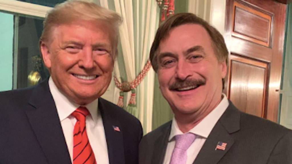 MyPillow guy suing for report he dated Jane Krakowski: 'They have damaged my integrity as a Christian' (rawstory.com)