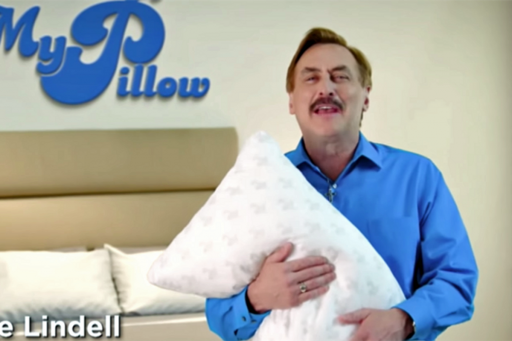 'I finally got a fascist nutcase out of my bed': author recounts dumping her MyPillow (rawstory.com)