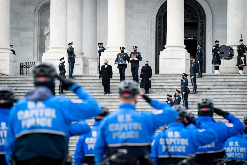 Sources to NY Times: F.B.I. Has Singled Out a Potential Assailant in Capitol Officer's Death During Insurrectionist Riot (nytimes.com)
