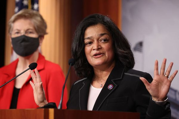 """Rep. Pramila Jayapal vows to continue fight for $15 wage: """"We must deliver on this issue"""" (salon.com)"""