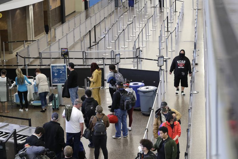 Airline passengers may have to get weighed before boarding (nydailynews.com)