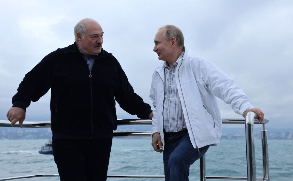 Belarus hijacked a jet to kidnap a journalist — and Putin is bailing them out economically (rawstory.com)
