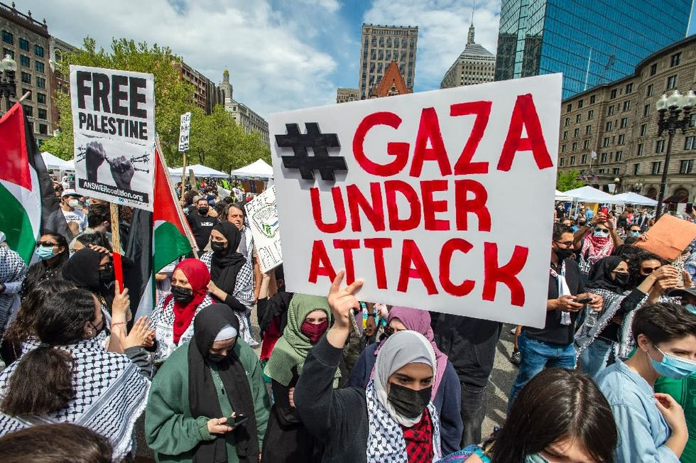 Thousands rally in North America in solidarity with Palestinians (rawstory.com)