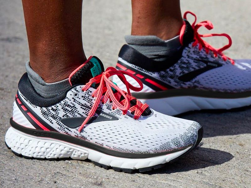 The 6 best women's running shoes in 2021, from cushioned stability shoes to lightweight speed runners (businessinsider.com)