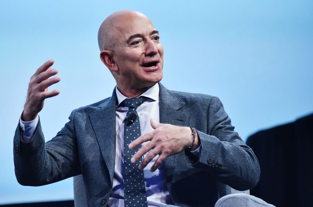 Jeff Bezos refused to take elevators in Amazon's old office and ran up 14 flights of stairs every day without breaking a sweat, his former assistant said (businessinsider.com)