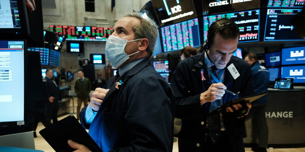 US stocks mixed as investors digest the Fed's accelerated interest-rate hike guidance (markets.businessinsider.com)