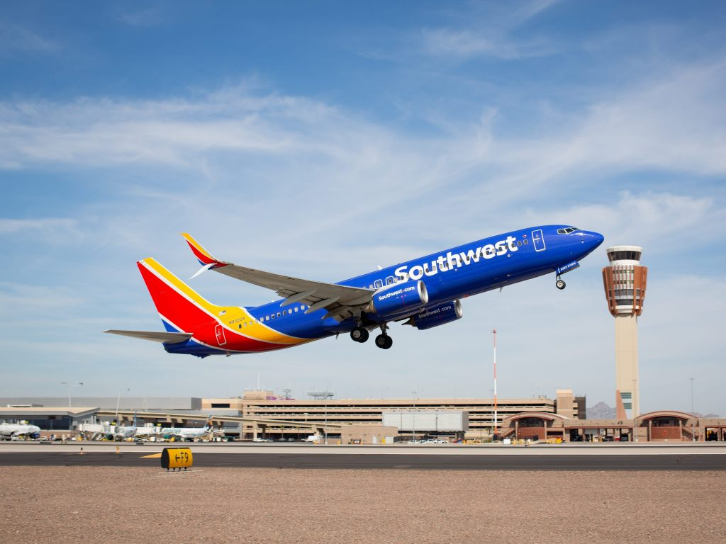 Southwest Airlines is boosting its minimum wage to $15 an hour, giving raises to more than 7,000 employees, in an effort to bulk up staffing as travel picks up (businessinsider.com)
