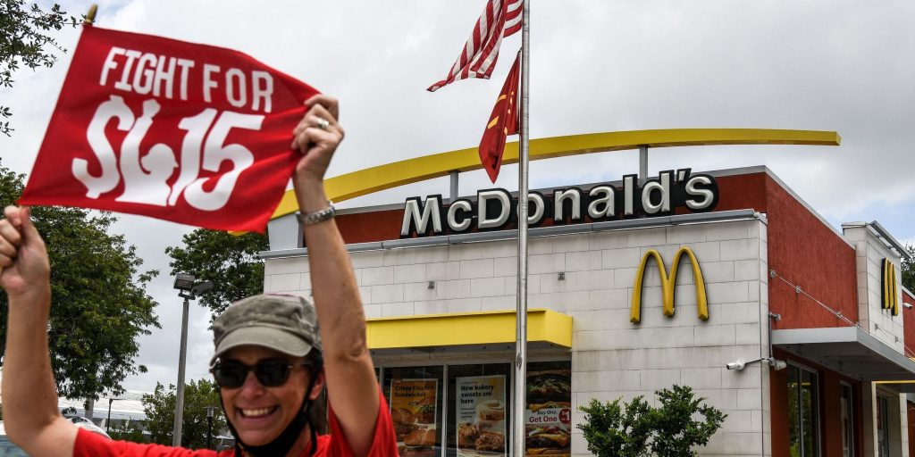 If you're making minimum wage, inflation means your dollar is the weakest it's been in more than a decade (businessinsider.com)