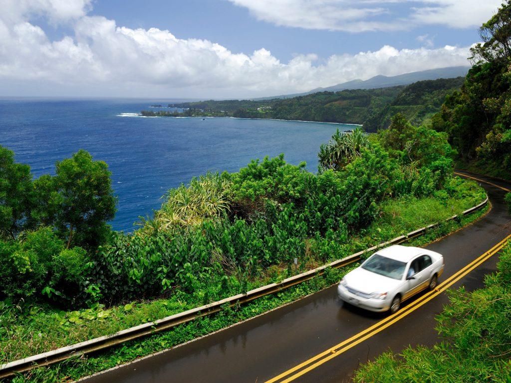 How Hawaii's rental car crisis became so dire tourists are renting U-Hauls instead (businessinsider.com)
