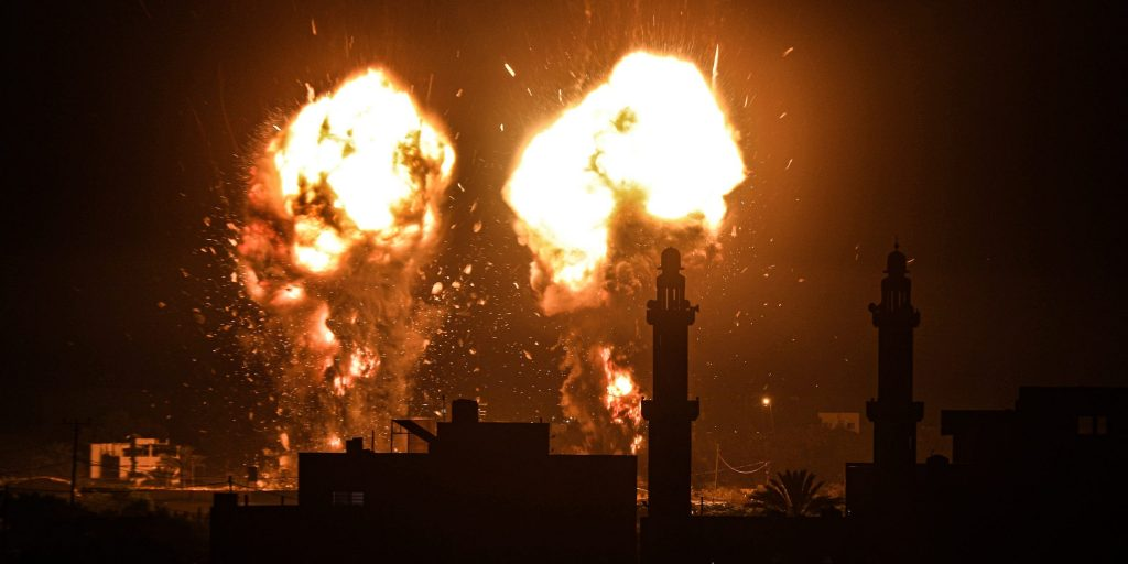 Israel launches airstrikes on Gaza in response to 'incendiary balloons' (businessinsider.com)
