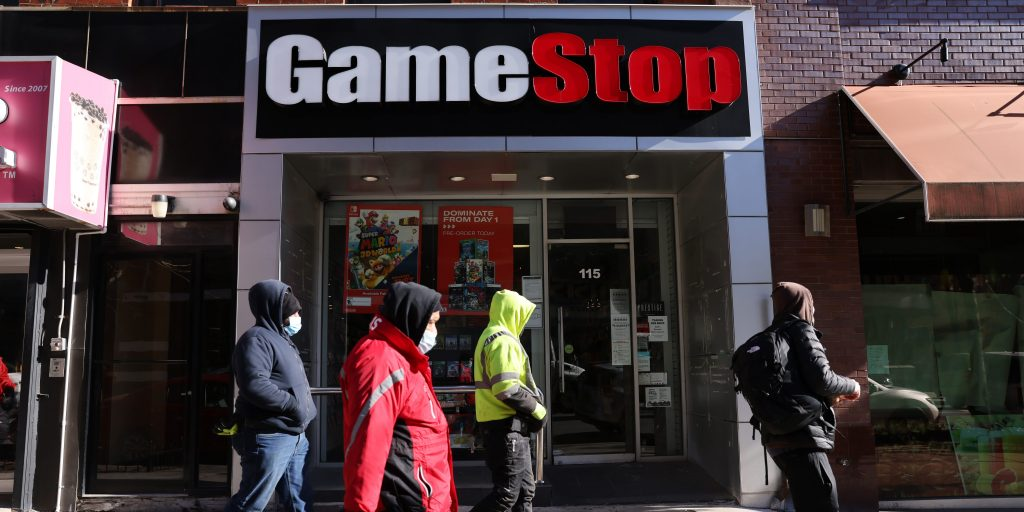 One hedge fund that bet against GameStop is closing its doors after taking double-digit percent losses from the meme stock's rally (businessinsider.com)