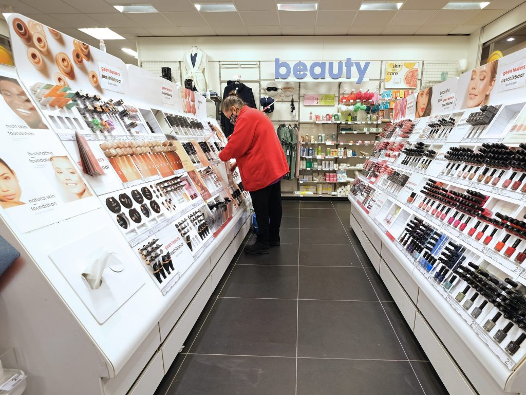 Lawmakers introduced 2 new bills after a study found popular beauty products may contain cancer-linked 'forever chemicals' (businessinsider.com)