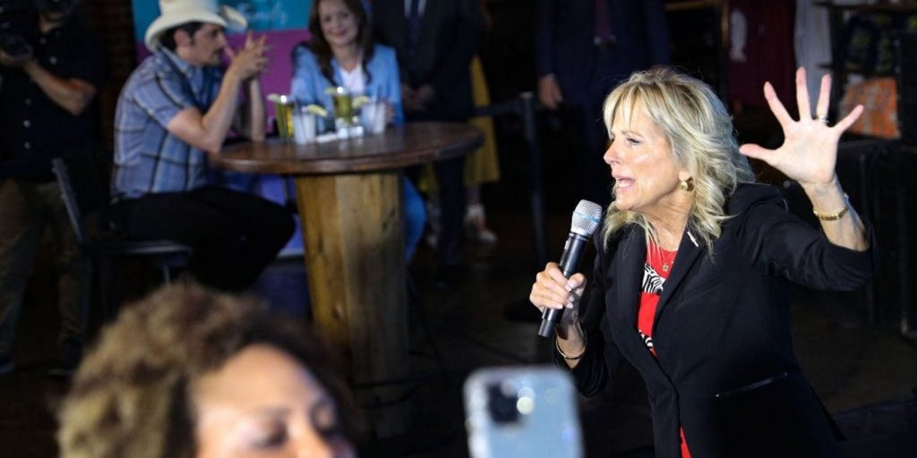 Video shows a Nashville crowd booing after Jill Biden called out low COVID-19 vaccination rates in Tennessee (businessinsider.com)