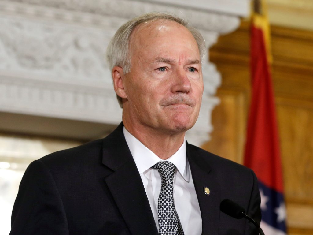 Arkansas governor says that fellow GOP Gov. Kristi Noem set 'a bad precedent' in using private funds to send National Guard to US-Mexico border (businessinsider.com)