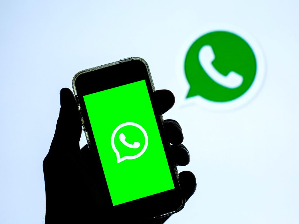 WhatsApp is a step closer to bringing Snapchat-style disappearing photos and videos to iPhones (businessinsider.com)