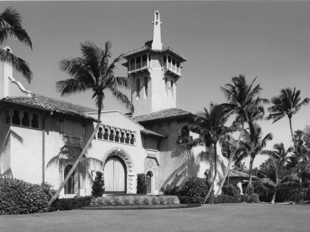 Trump wanted to chop up and sell off Mar-a-Lago's grounds in the '90s. This is how preservationists and officials stopped him. (businessinsider.com)