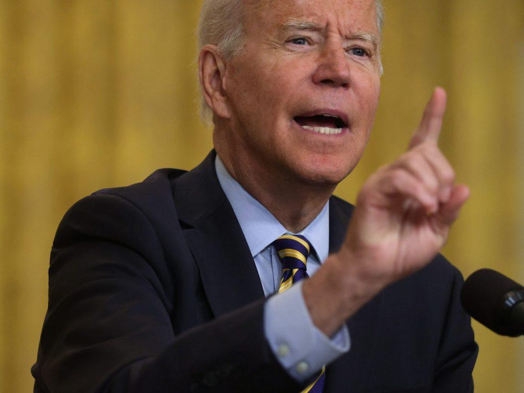 Biden will sign an executive order cracking down on Big Tech mergers (businessinsider.com)