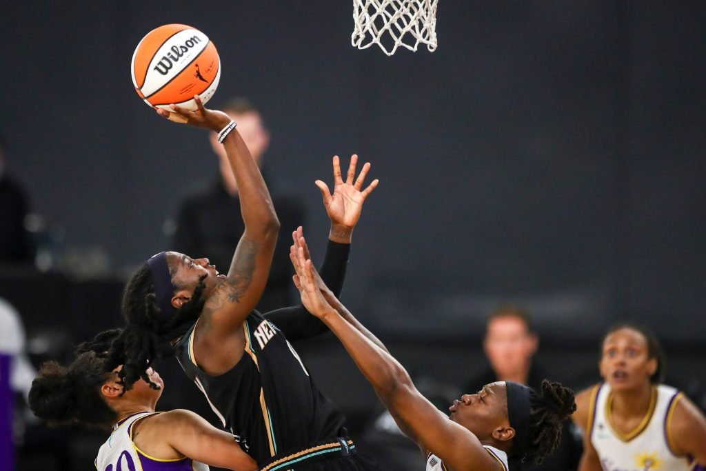 The WNBA is more popular than ever, but watching the games on League Pass is an absolute nightmare. 'It sucks being a fan' (businessinsider.com)