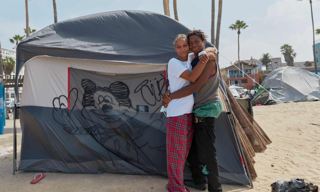 The push to clear homeless camps from Venice Beach: 'I don't know where we'll go' (theguardian.com)