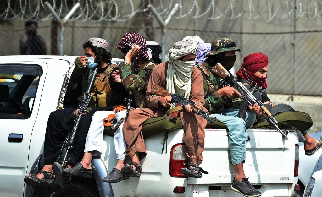Four Americans Left Afghanistan by Land With U.S. Assisting Move (bloomberg.com)